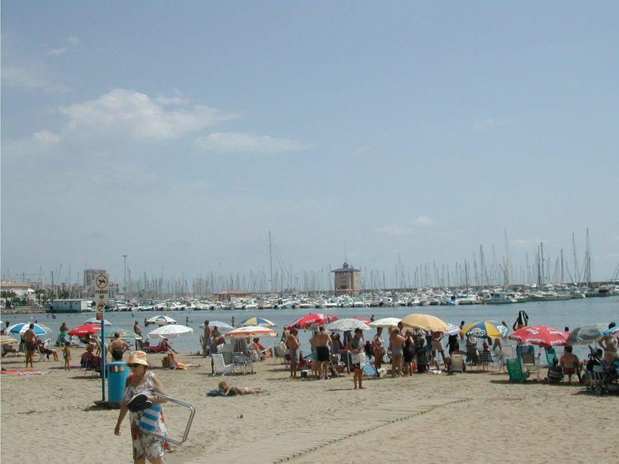 torrevieja puerto playa del acequion