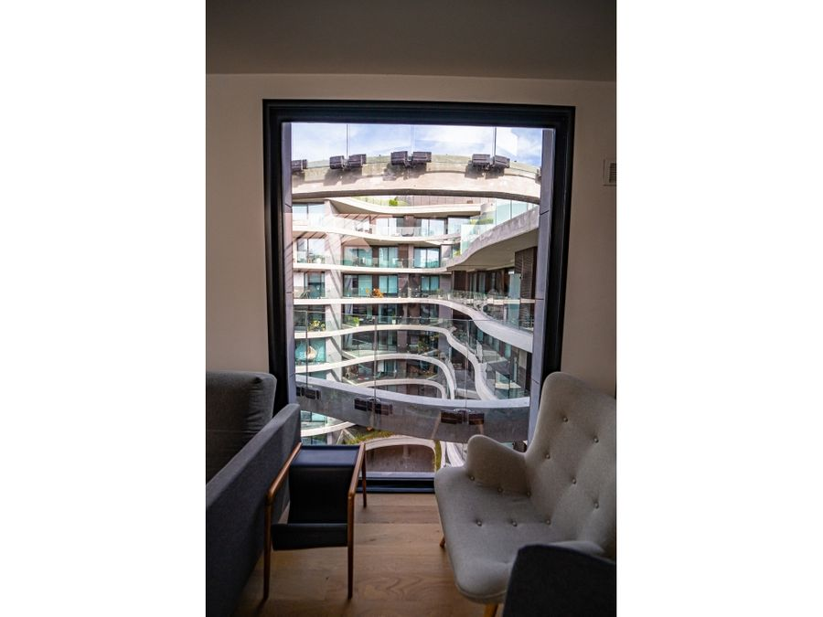 forum amplia terraza con parrillero y jacuzzi