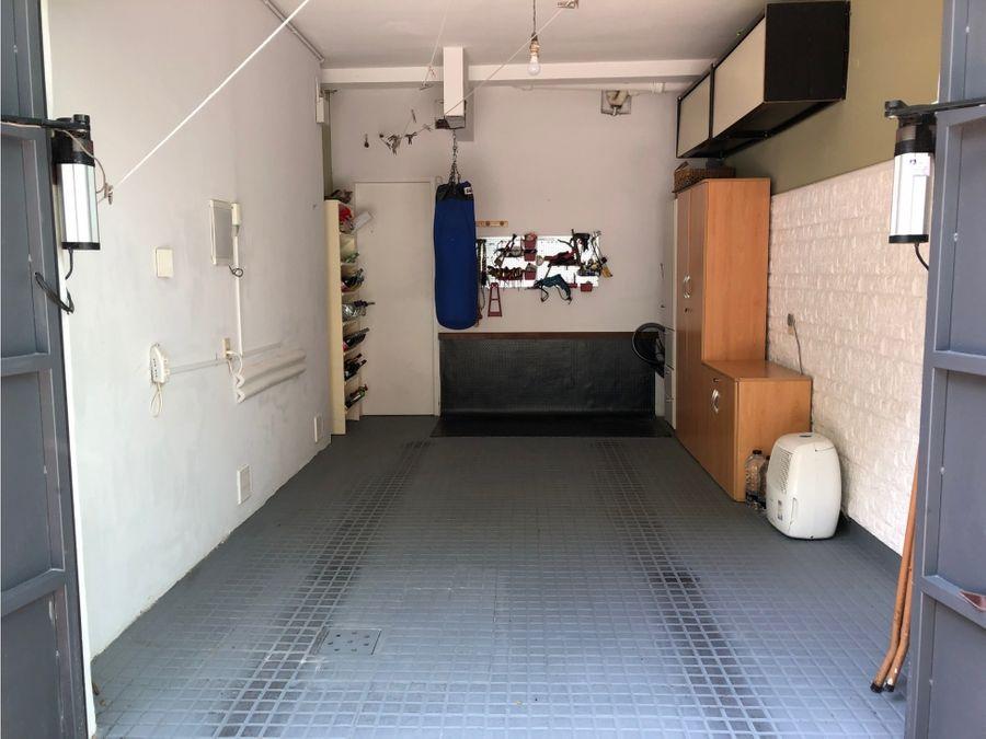 punta carretas amplia casa con fondo y garaje