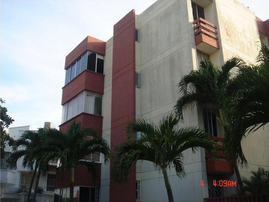 apartamento en altos de riomar