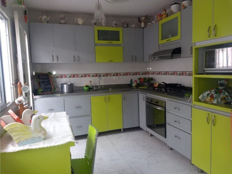 venta de casa amplia en buen sector de la ciudad