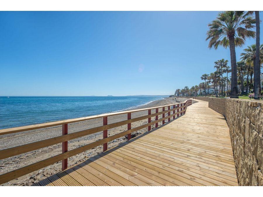 excelente piso en la playa alcazaba a 1 minuto caminando de la playa