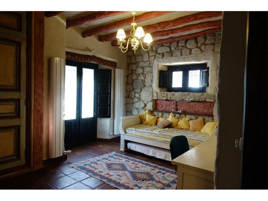 lujoso cortijo andaluz de 110000m2 con olivos