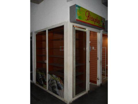 se vende local n0 103 4m2 caricuao
