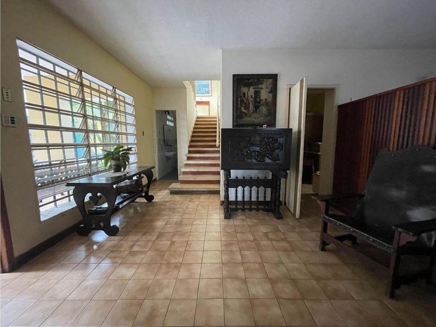 vendo casa 400mts2 4h4b12pe los chorros 2893