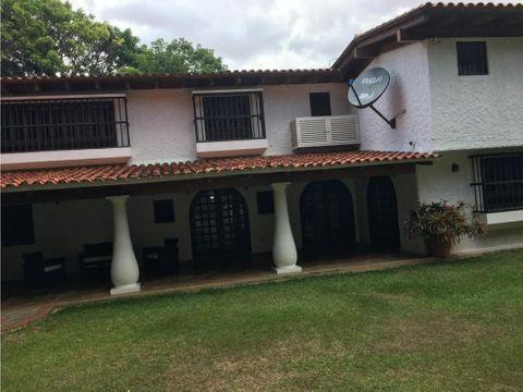se vende casa 540m2 4hs4bs2p prados del este