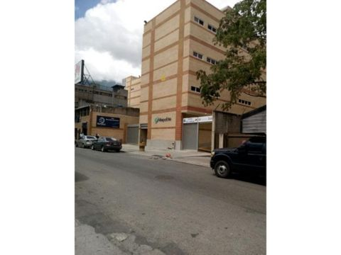 se alquila local 4m2 chacao