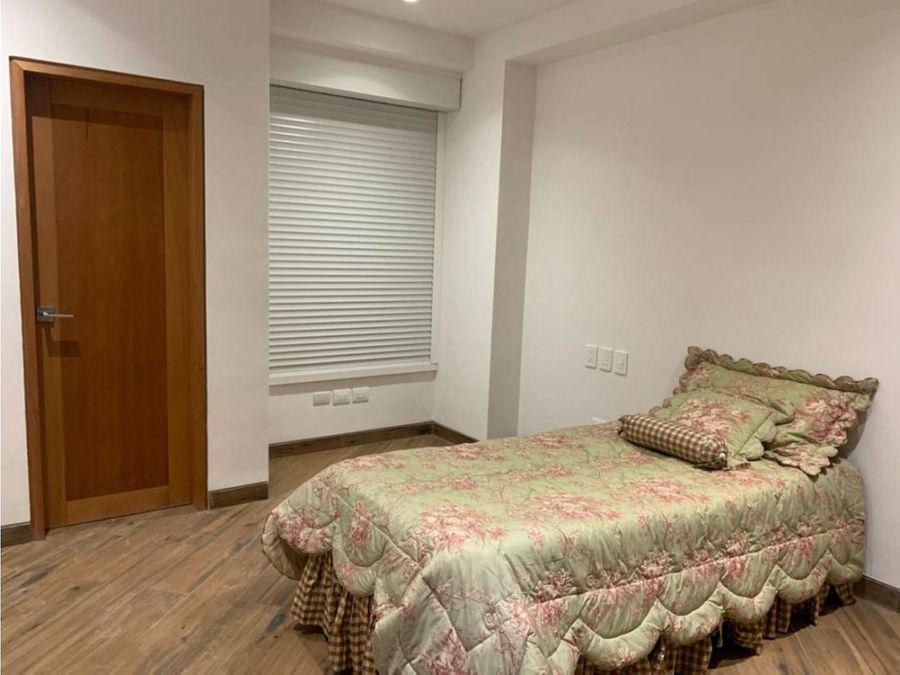 alquilo apartamento 210m2 4h5b2pe altamira