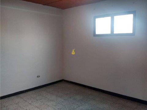 se alquila habitacion 10m2 campo rico