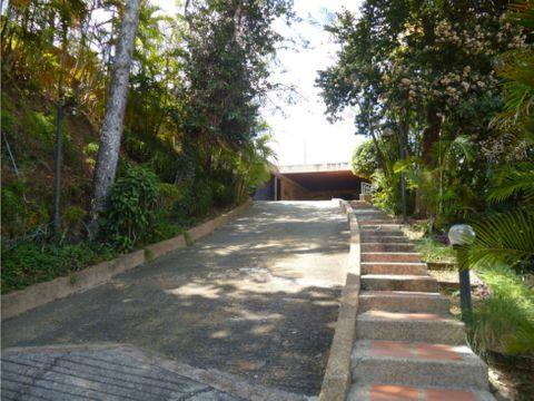se vende casa 1760m2 5h3s5b3s7p cerro verde
