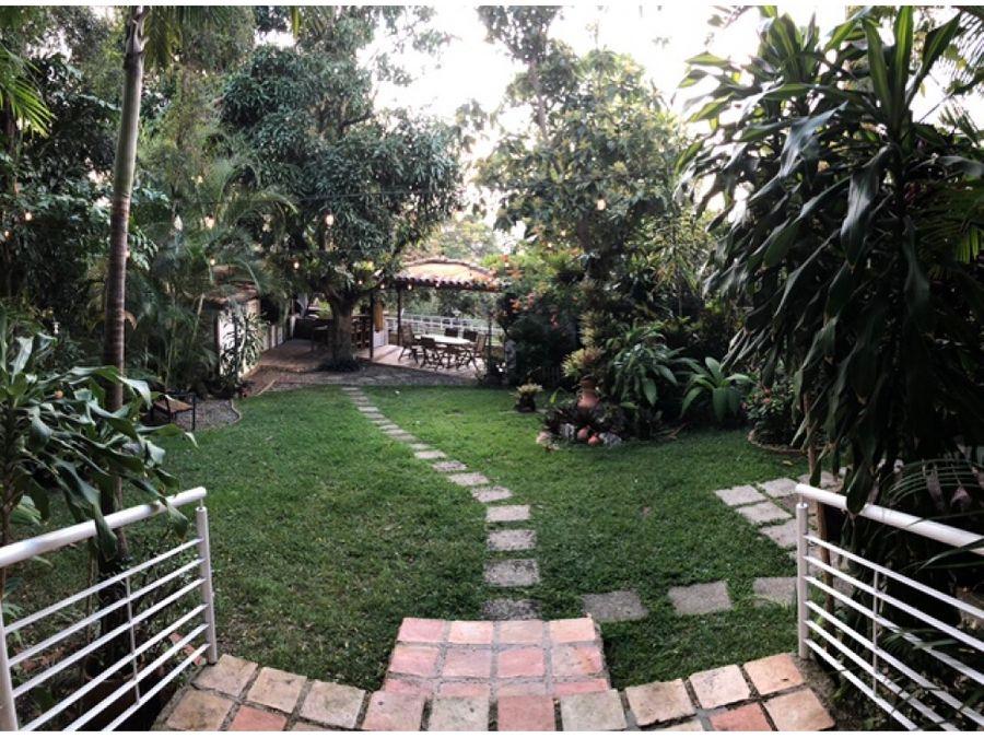 vendo casa 760m2 6h6b5p colinas de santa monica