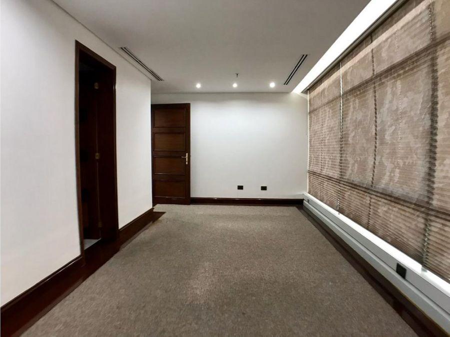 se alquila oficina 113m2 la castellana