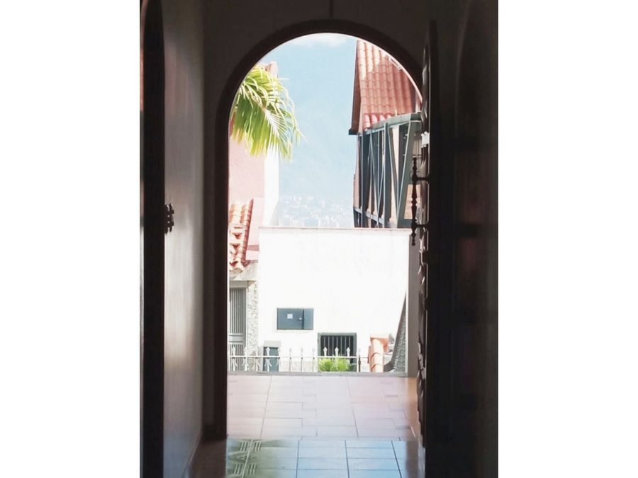 vendo casa 450mts2 4h5b8pe los naranjos 2485