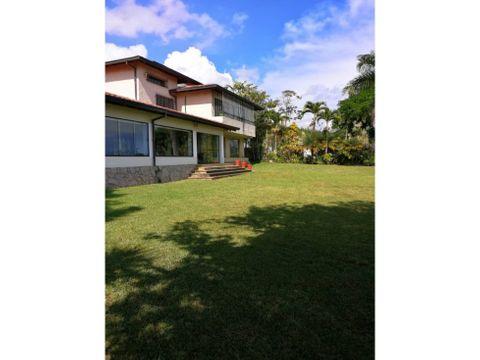 se vende casa 950m2 7h6b10p la lagunita