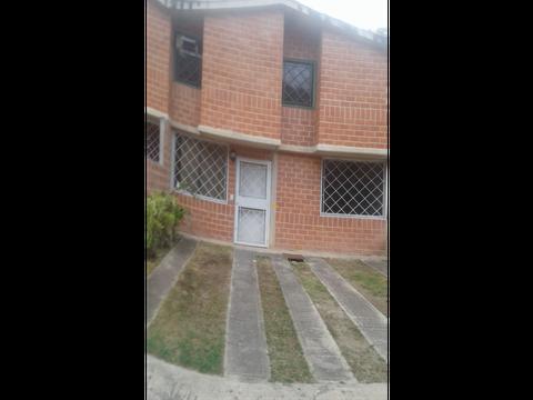 se vende casa 118m2 3h3b2p valle de chara 6999