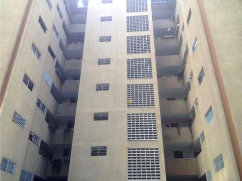 vendo apartamento 74m2 2h2b1p guarenas