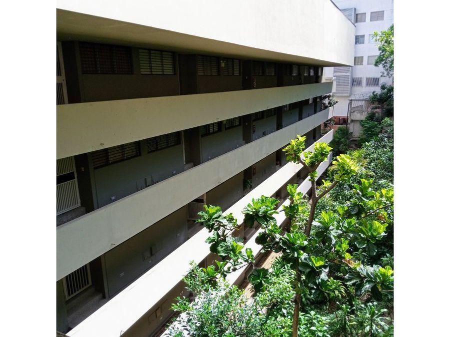 vendo apartamento 83m2 2h2b1pe colinas de bello monte