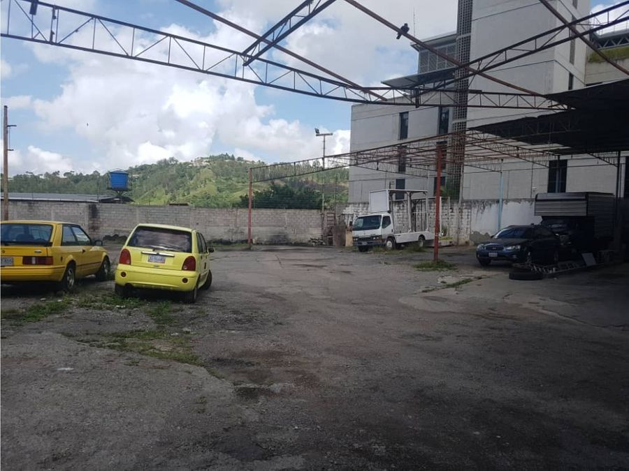 alquilo galpon 1300mts2 guaicay 3576