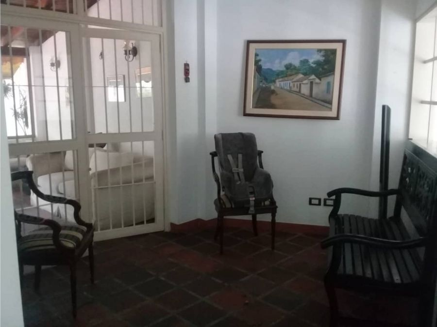 vendo casa 280mts2 5h5b4pe lomas de la trinidad 4903
