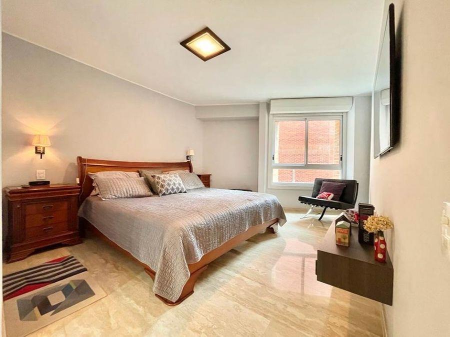 vendo apartamento 141m2 3h35b2p las mercedes 3046