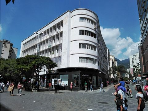 se vende oficina 54m2 sabana grande