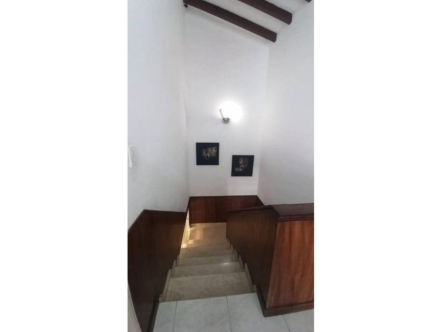 vendo casa 347m2 5h6b2pe alto prado