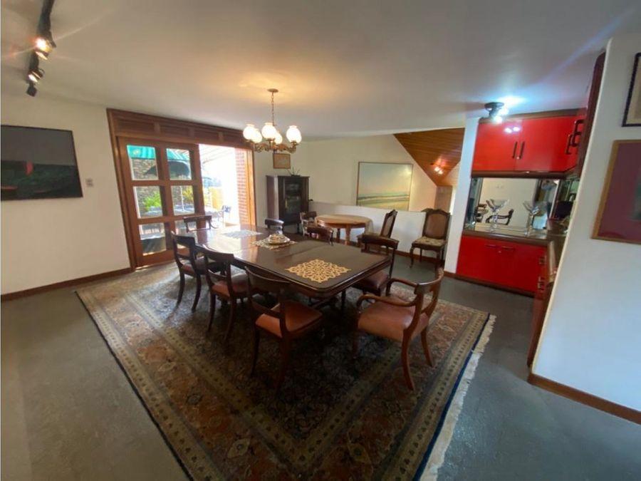 vendo casa 600m2 3h2s35bs4pe colinas de tamanaco