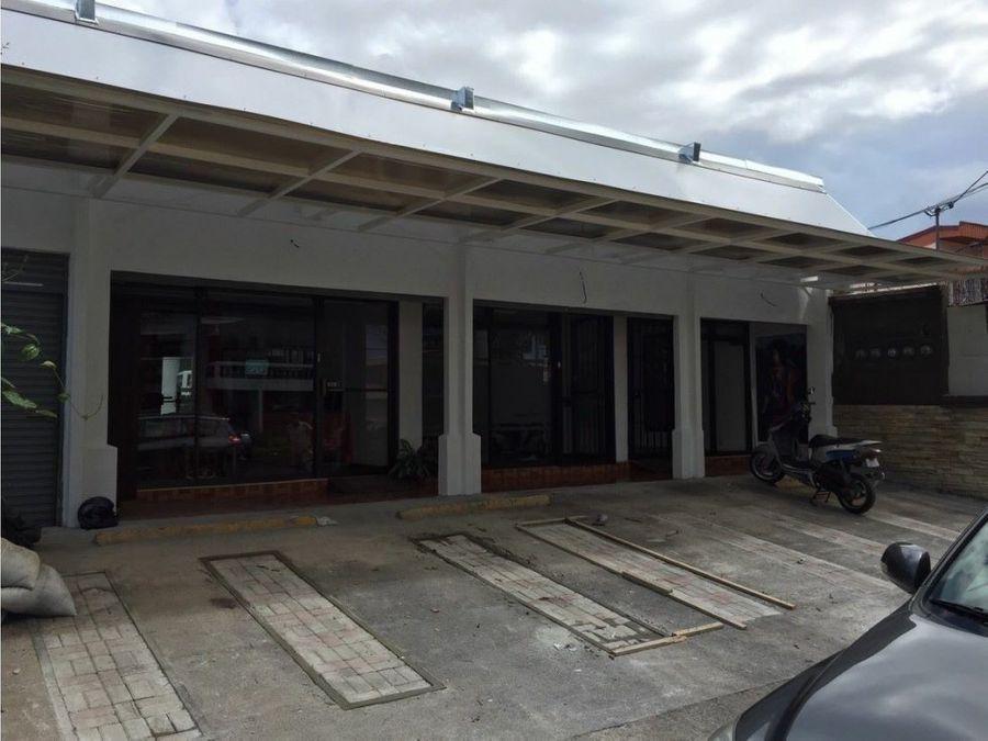 venta de edificio de locales y apartamentos rohrmoser bulevar