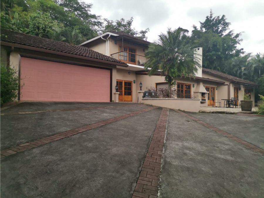 venta de propiedad con 2 casas san jose ciudad colon