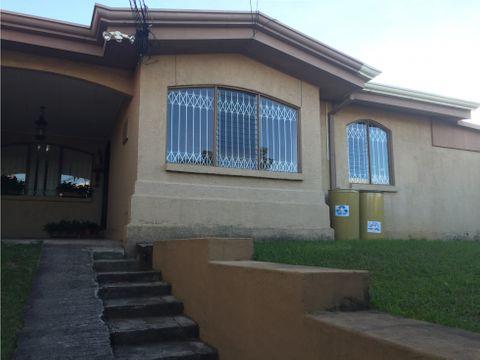 alquiler de casa san jose moravia urbanizacion los robles