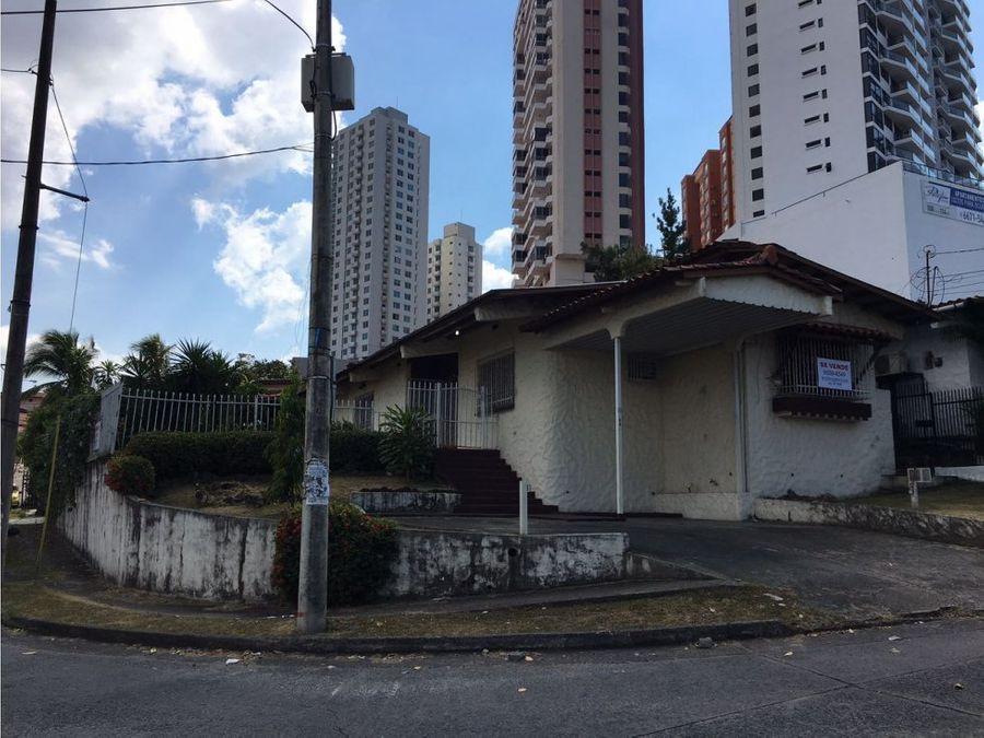 casa en esquina en venta en villa de las fuentes