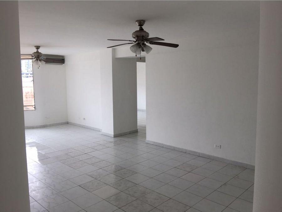 se alquila apartamento en la alameda us800