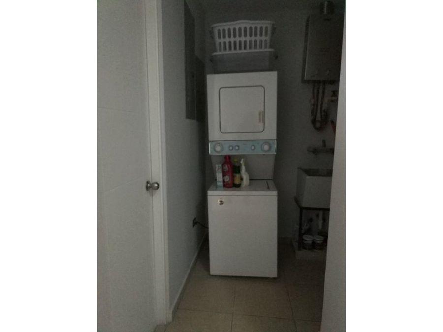 se alquila apartamento amoblado en el cangrejo