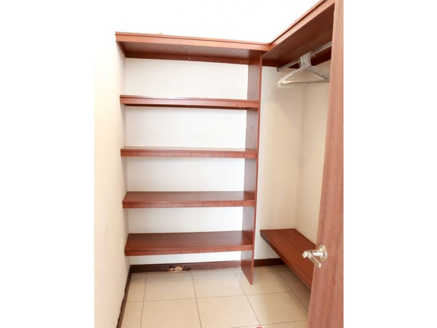 se remata apartamento a pasos de ve ricardo j alfaro