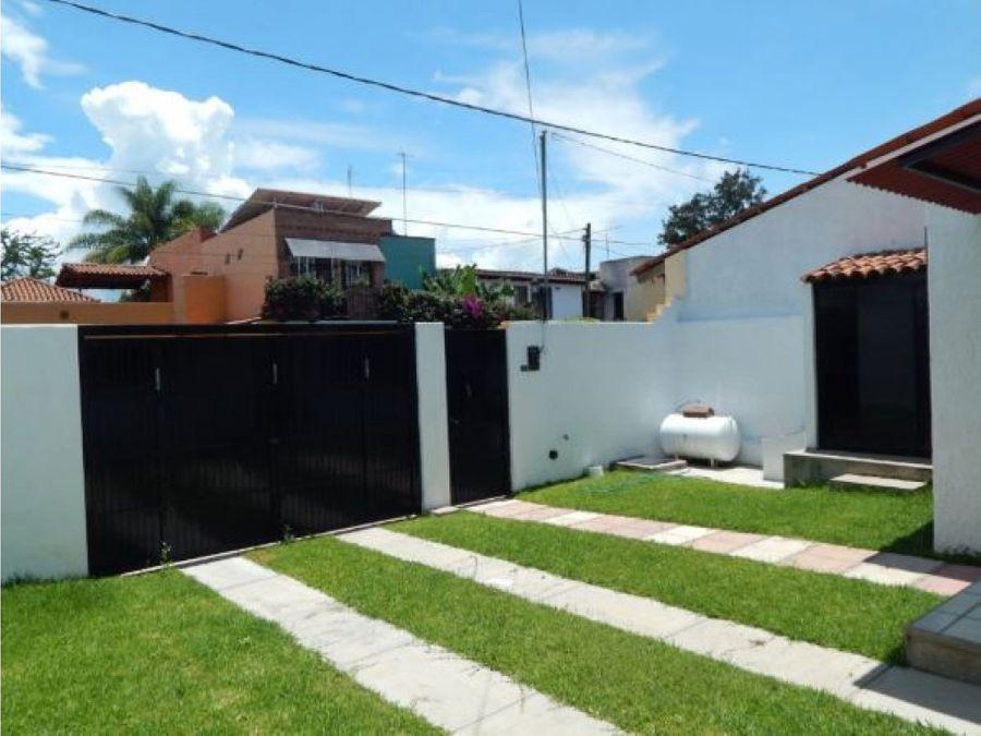 riberas del pilar casa en venta jardin y cochera