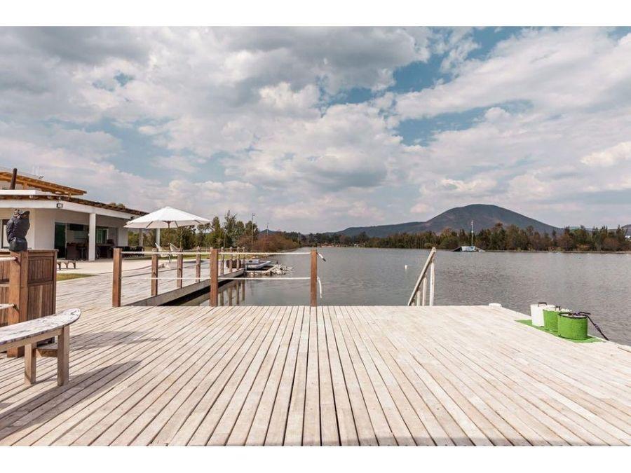 venta de casa en santa cruz a orilla del lago ce