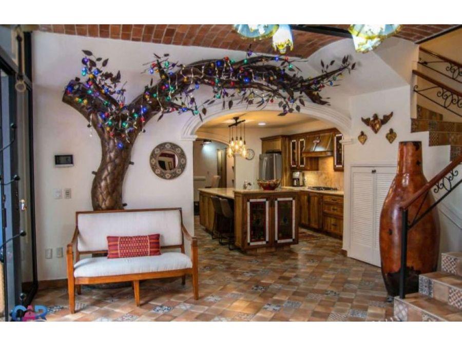 casa en venta con alberca en ajijic