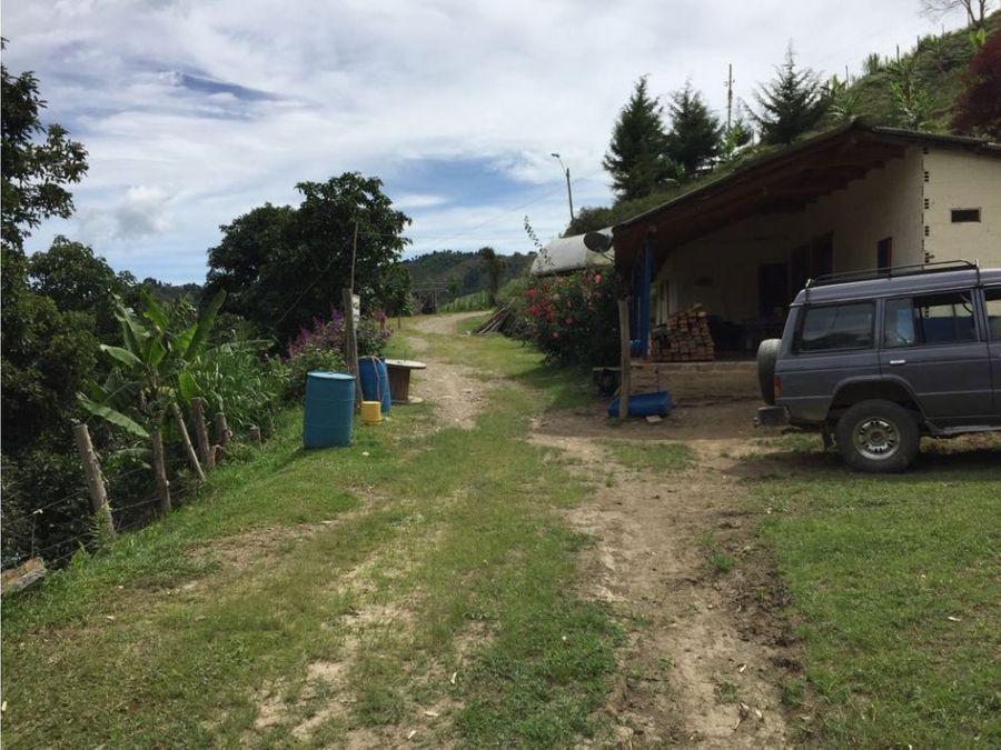 finca tradicional agricola en el retiro