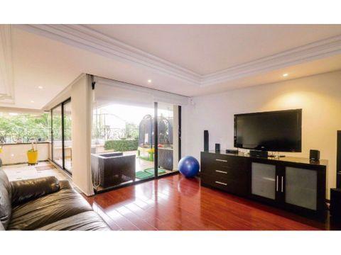 lujoso apartamento duplex en el poblado