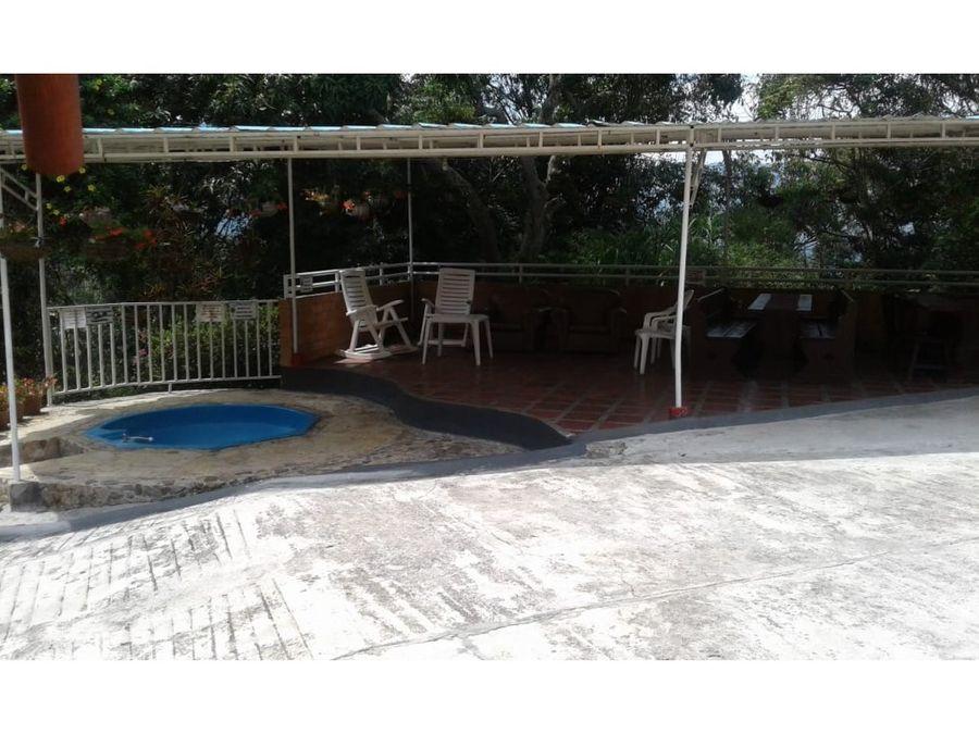 finca de recreo con piscina en el sector camilo c
