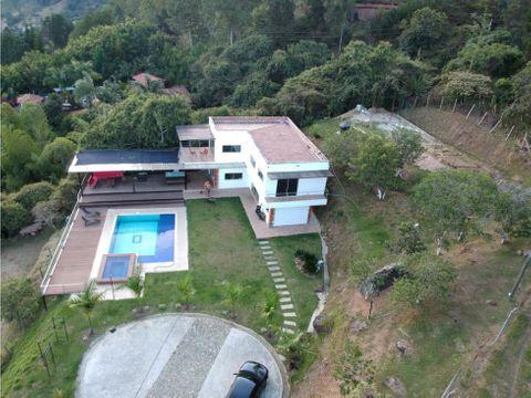 casa finca negociable con piscina y vista