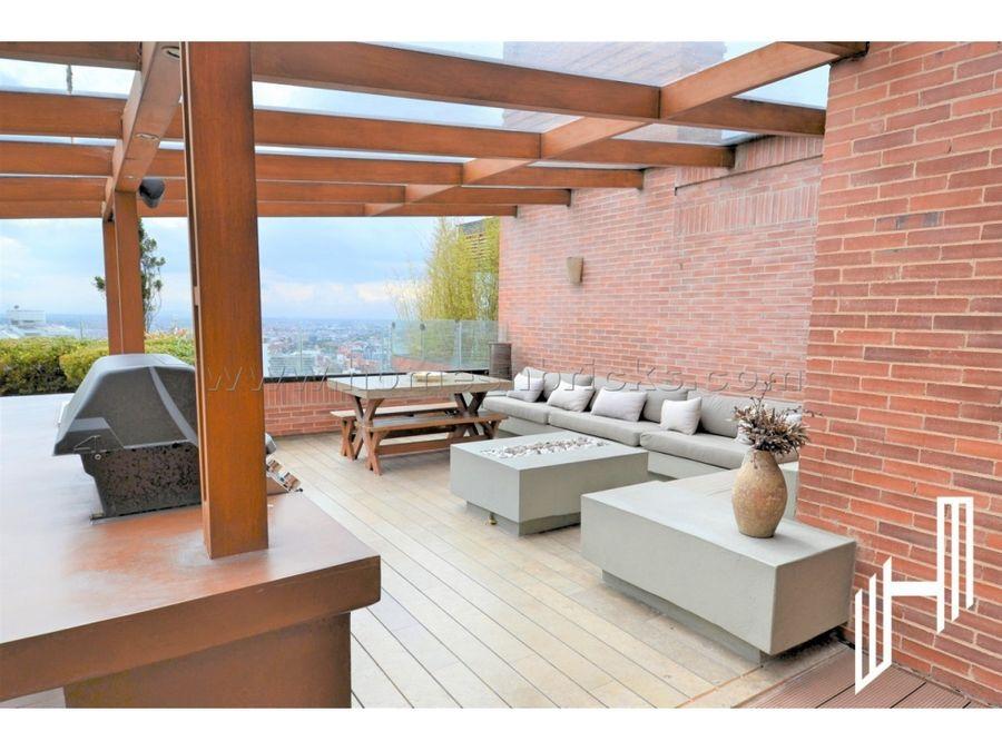 amplio penthouse con terrazas para arriendo en rosales