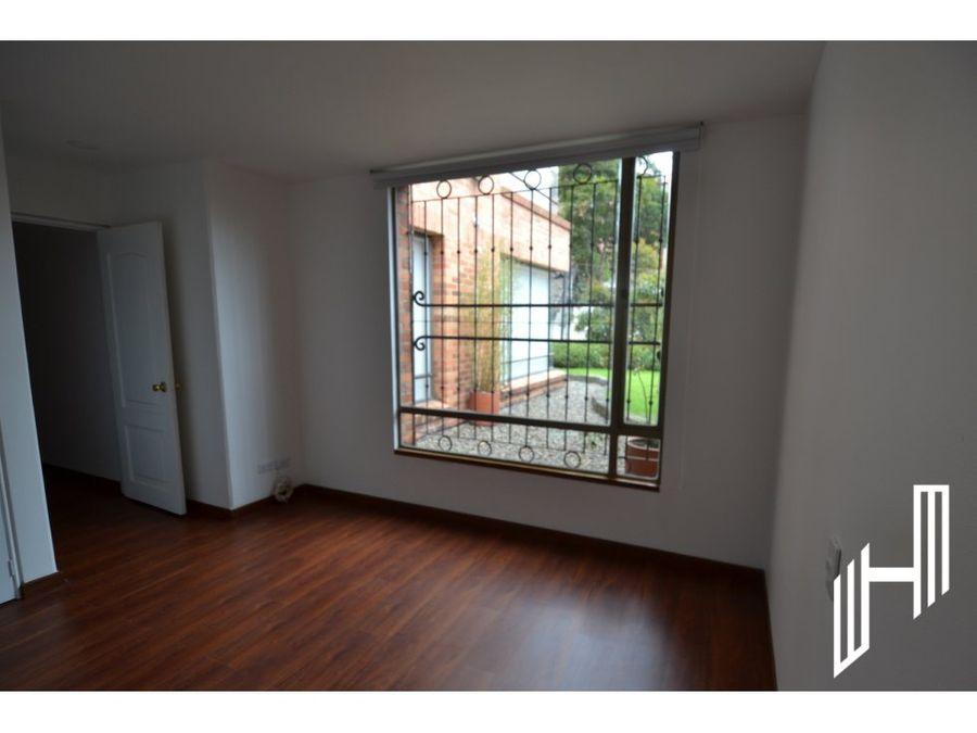 apartamento para arriendo en rosales con jardin y terraza