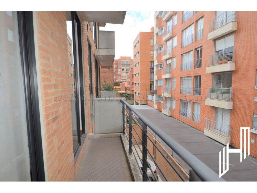 apartamento con balcon para arriendo en chico norte