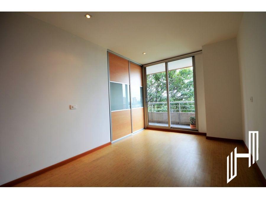 venta apartamento con balcon en el virrey
