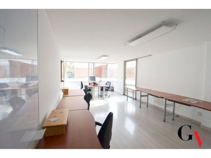 oficina para arriendo con terrazas en santa barbara
