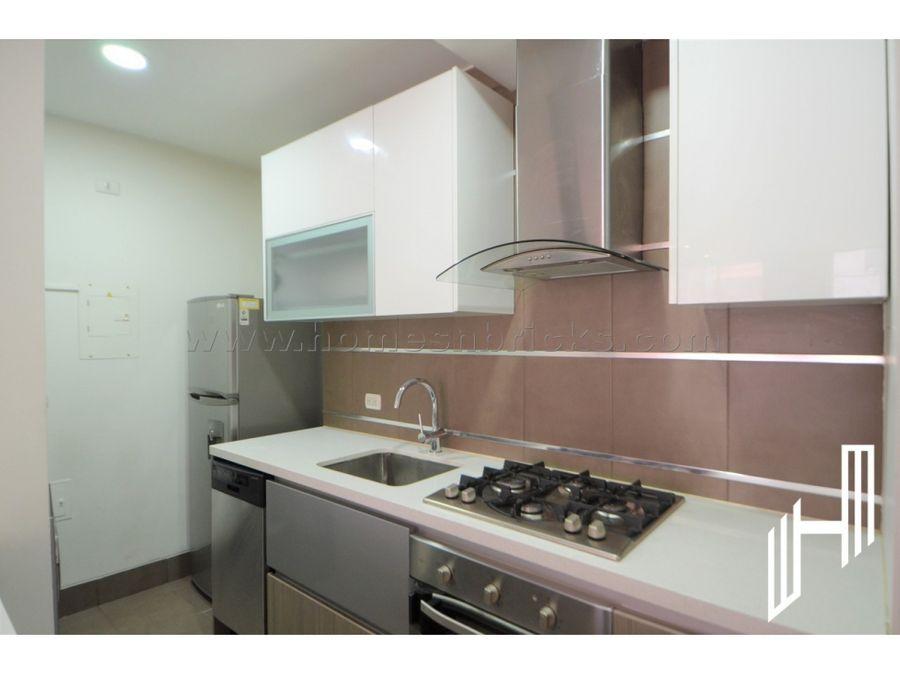 apartamento con balcon para venta en chico norte