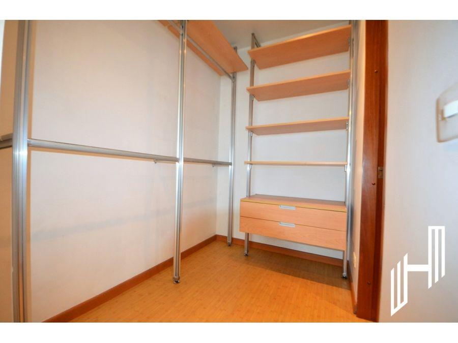 apartamento para venta con balcon en el virrey