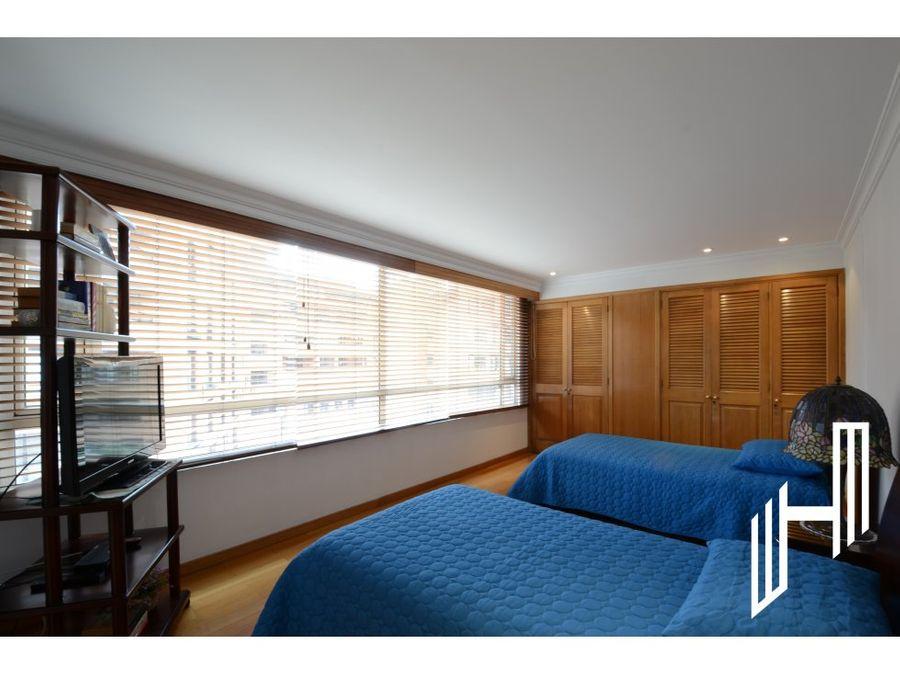 venta apartamento con balcon en la carolina