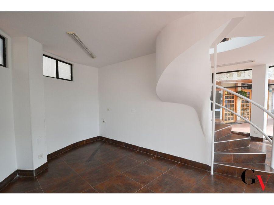 arriendo vitrina comercial duplex en santa barbara